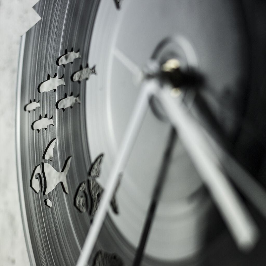 Horgász bakelit falióra - csendes óraszerkezettel 7e880a39d6