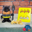 Batman tojás tartó és pirítós vágó
