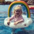 Felhő gyerek úszógumi szivárvánnyal