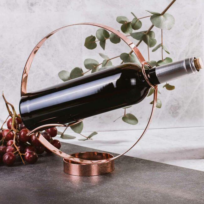 Réz bevonatú design bor tartó és töltő díszdobozban