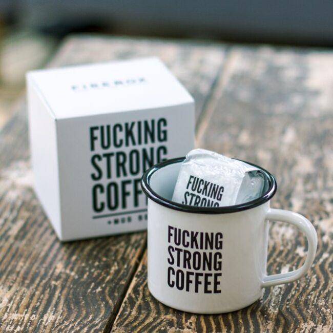 F*cking strong coffee - kávé és bögre szett Bögre szett