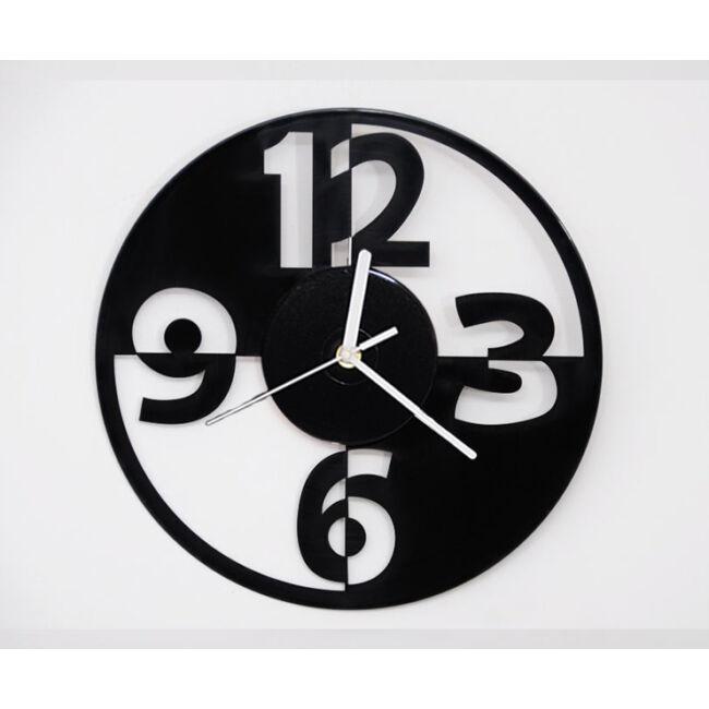 Design bakelit falióra - csendes óraszerkezettel
