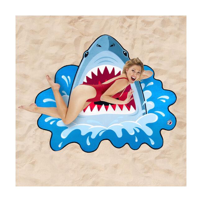 Óriás cápa strandtörölköző