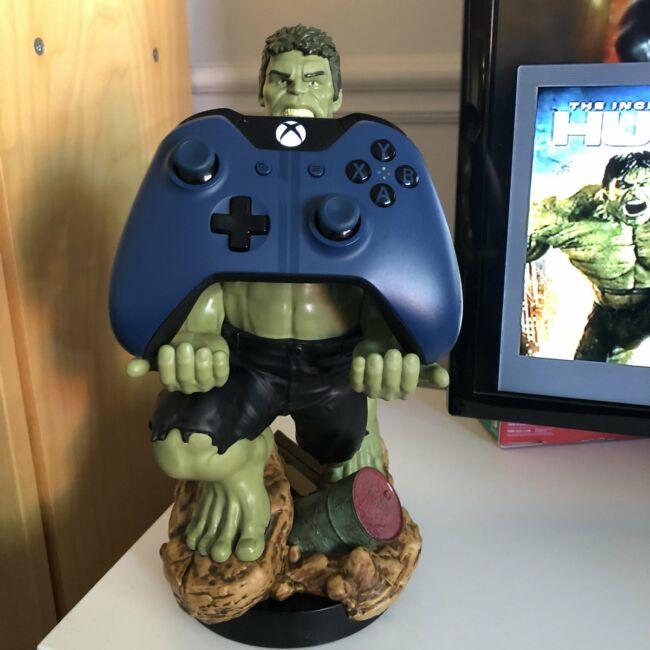Marvel Hulk XL telefon és konzol kontroller tartó/töltő figura