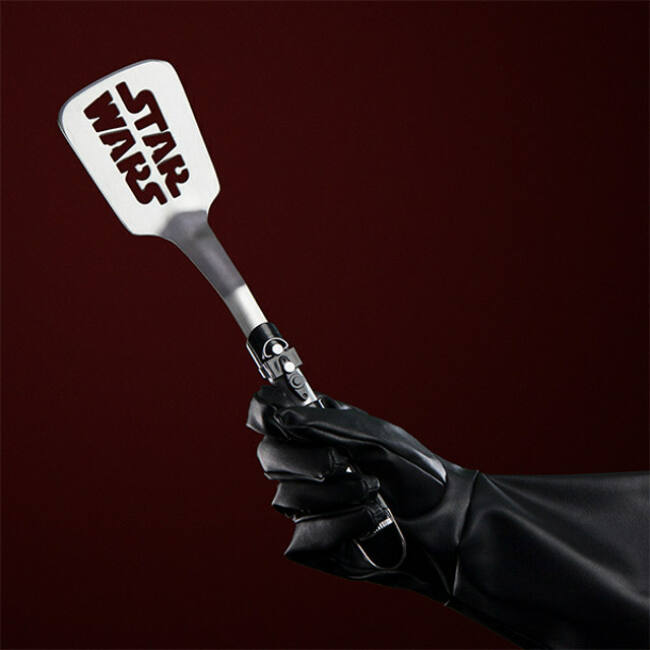 Star Wars Darth Vader spatula fénykard formájú fogóval