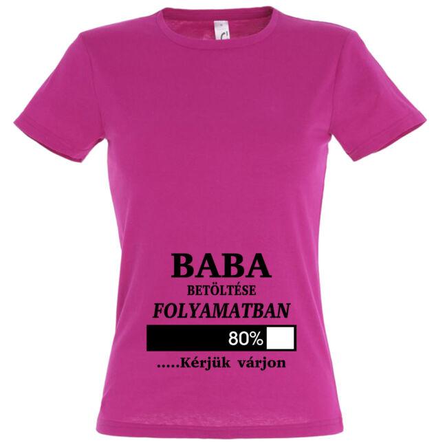 Baba betöltése folyamatban mintás női póló fuchsia színben