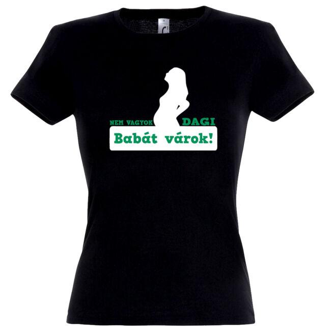 Nem vagyok dagi, babát várok mintás női póló fekete színben
