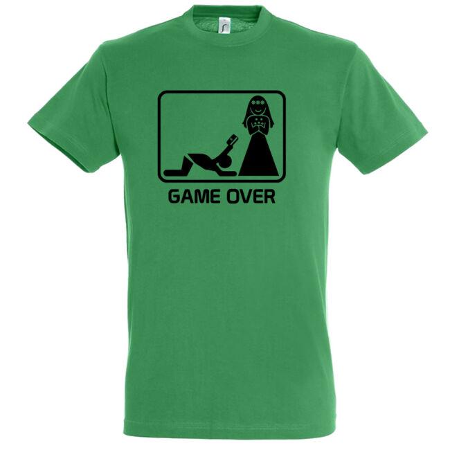 Póló legénybúcsúra Game Over felirattal és a férfiak sorsáról szóló vicces rajzzal.