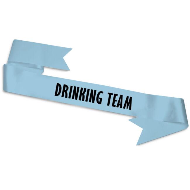Drinking Team feliratos szalag a legénybúcsú minden résztvevőjének. Kék színben, ráadás szalagfogóval.